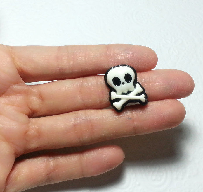 Cute Skeleton Skull Silicone Mold 18mm Gothic Jewelry
