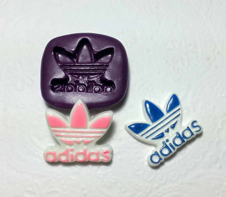 Sports Shoes Bag Logo Silicone Mold 27mm Simply Molds