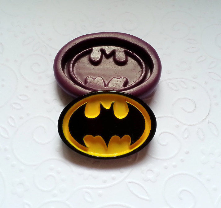 Batman Logo Silicone Mold 35mm Fondant Icing Chocolate