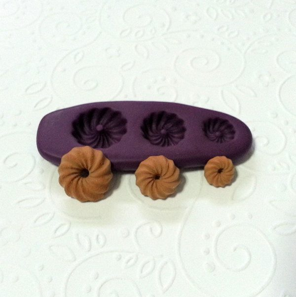 miniature donuts clay mold